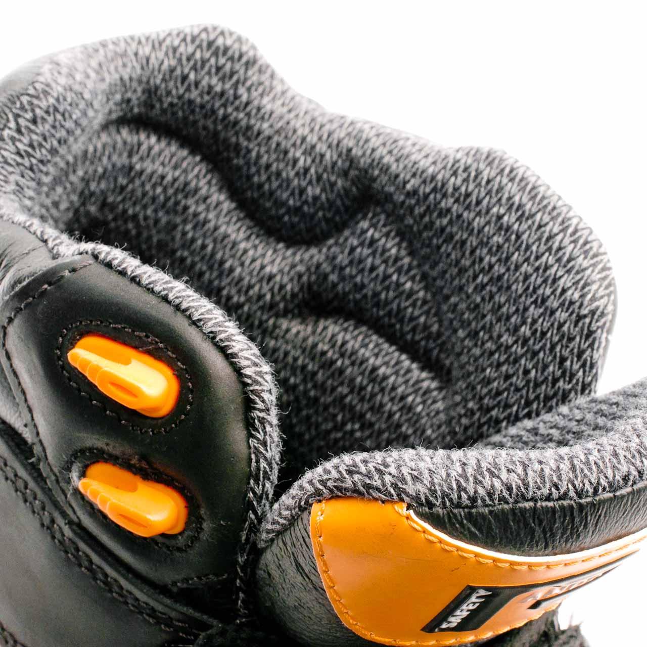 1752c2717bb1 Bezpečnostná poloholeňová obuv EXTREME TECTOR PANDA S3 SRC